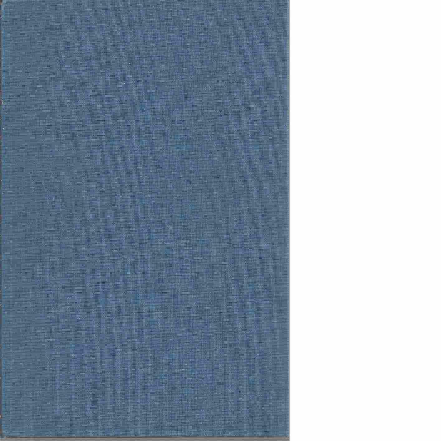 Antikviteter från när och fjärran - Benzon, Gorm
